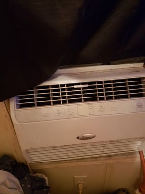Window ac unit 12k btu its to big for what i need for Sale in Tampa, FL