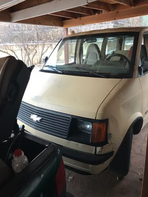 1986 Chevy Astro van for Sale in Manitou Springs, CO