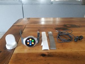 Samsung gear s2 for Sale in Kissimmee, FL
