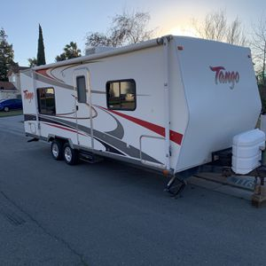 2007 camping trailer in great shape for Sale in Stockton, CA