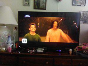 Visio smart TV 43 inch. HD for Sale in North Providence, RI