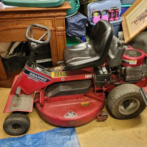 Snapper Sr1433 15.5 Hp Ride On Mower for Sale in Pretty Prairie, KS