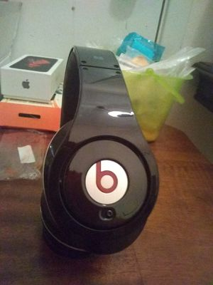 Beats studio 1 wired extra clean for Sale in Houston, TX