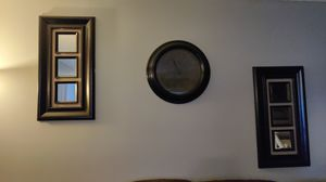 Wall decor and clock for Sale in Schaumburg, IL