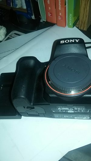 Sony Alpha A300 DSLR camera with 18-55mm lens for Sale in Kissimmee, FL