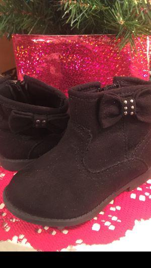 Euc little girls side zip black suede boots treads on bottom sz3 for Sale in Northfield, OH