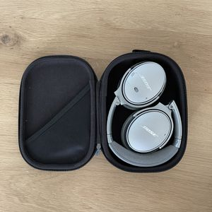 Bose QuietComfort 35 II Wireless Bluetooth Headphones, Noise-Cancelling, with Alexa Voice Control for Sale in Los Angeles, CA
