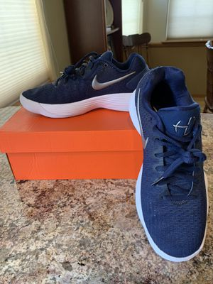 Brand new woman's hyperdunk 2017 low top basketball shoes for Sale in Cashmere, WA