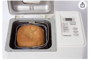 MAGIC CHEF AUTO 1.5 POUND BREADMAKER, MODEL CBM-310 Bread Machine for Sale in Phoenix, AZ