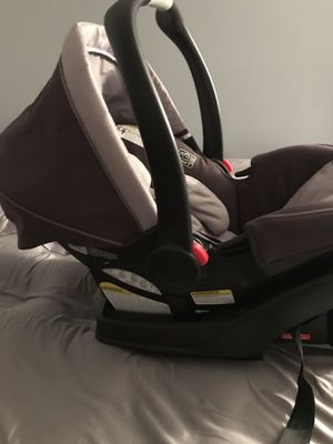 Graco snugride 35 infant car seat for Sale in Martinsburg, WV