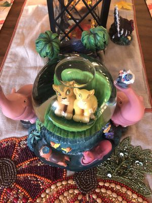 VINTAGE LION KiNG DISNEY GLOBE for Sale in Virginia Beach, VA
