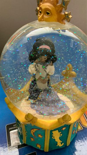 Collectible Disney: Esmeralda from Hunchback of Notre Dame Musical Water Globe for Sale in Chippewa Falls, WI