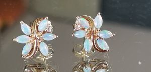Stunning Vintage 14K yellow gold genuine fire opal and diamond pierced earrings for Sale in Lake Stevens, WA