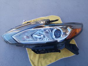 Nissan altima 2016 2017 2018 left headlight for Sale in Lawndale, CA