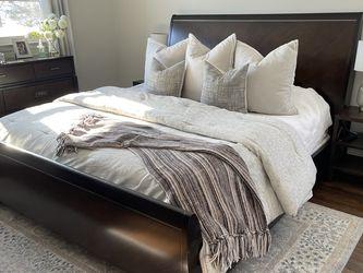 Raymour & Flanigan Bedroom Set for Sale in Edison,  NJ
