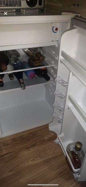 Mini fridge for Sale in Greensburg, PA