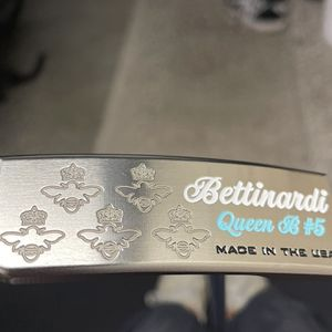 "34"" Bettinardi Queen B #5 Putter for Sale in Redmond, WA"