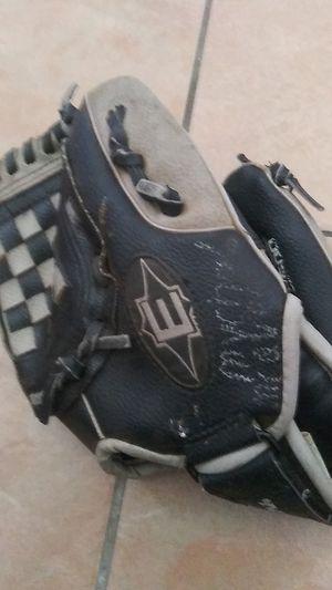 Baseball gloves for Sale in Bellflower, CA