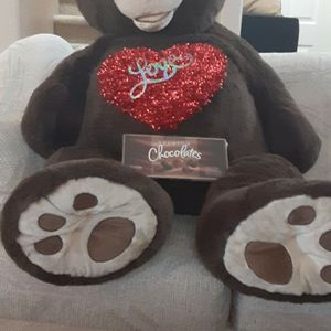 Oversized Brown Teddy bear For Valentine's Day for Sale in Albuquerque, NM