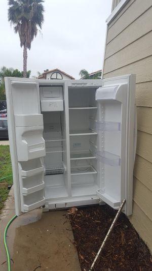 Refrigerador 2 puertas for Sale in San Bernardino, CA