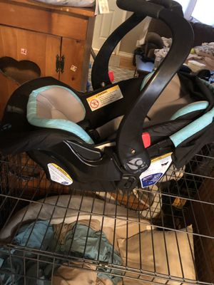 Baby trends car seat for Sale in Denison, TX