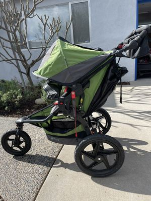 BOB Jogging Stroller (includes snack tray, handlebar console, air pump) for Sale in San Diego, CA