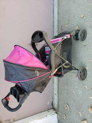 Kolcraft stroller for Sale in Arcadia, CA