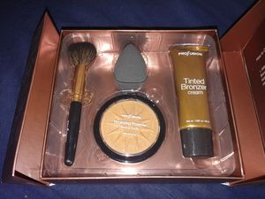 Profusion complete face & body bronzer kit set NEW for Sale in Brooklyn, NY
