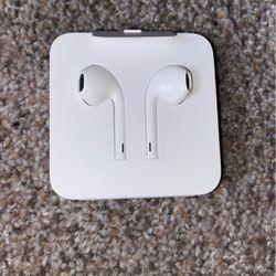 Headphones For iPhones for Sale in Vancouver,  WA
