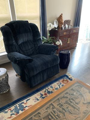 lazy boy recliner/ rocker / chairs. ceramic stools / stands for Sale in Manassas, VA