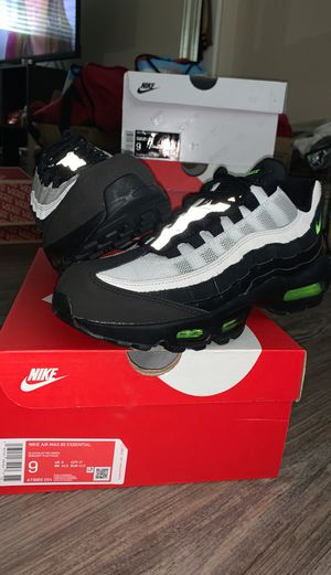 BRAND NEW NIKE AIR MAX 95 ESSENTIAL SIZE 9 SHOES for Sale in Anaheim, CA