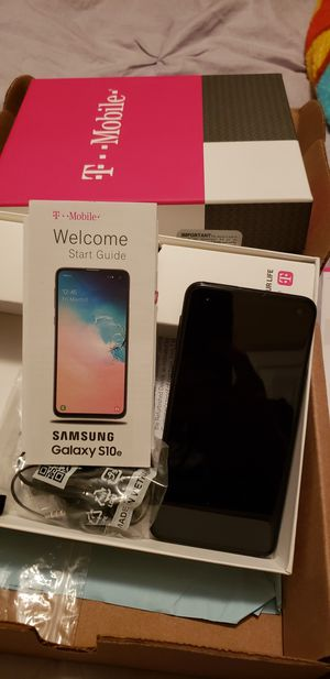 Samsung s10e for Sale in Canton, MS