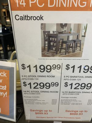 Dining table and chairs for Sale in Elk Grove, CA