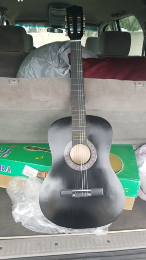 ACOUSTIC GUITAR for Sale in Laguna Niguel, CA