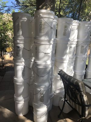 5 gal buckets w/ lid for sale for Sale in Tolleson, AZ