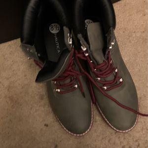 Woman's Nautica Boots for Sale in Philadelphia, PA