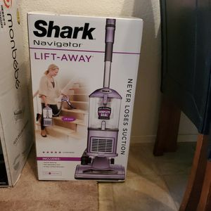 New Shark Navigator Lift-Away Vaccum ($150 Value) for Sale in Ripon, CA
