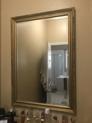 Mirror, living room, home decor, interior decor, gold for Sale in Murrieta, CA