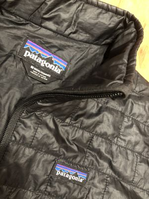 Patagonia pano black men jackets for Sale in Pleasanton, CA