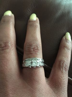 14k White Gold 3 stone diamond engagement ring and diamond wedding band for Sale in Richmond, VA