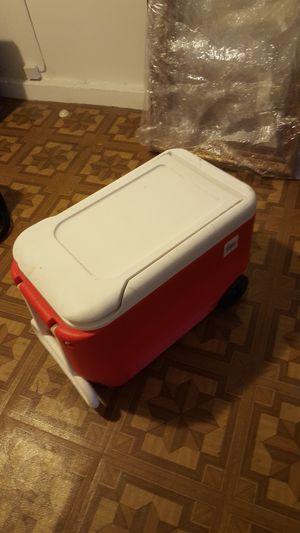 Hard Cooler for Sale in Los Angeles, CA
