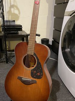 Yamaha Acoustic Guitar for Sale in Quincy,  MA