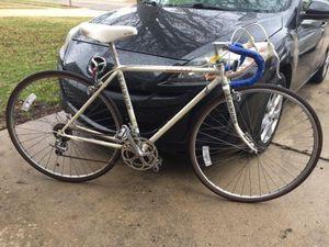 "19""/48cm Schwinn Le Tour Men's road bike for Sale in Chicago, IL"