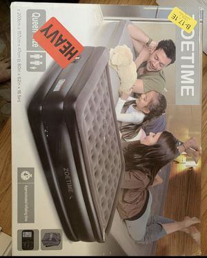 Queen Air mattress with built-in pump for Sale in Stoughton, MA