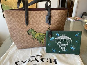 Coach Rexy Shopper, Canvas with Oxblood Suede interior for Sale in Valley Center, CA