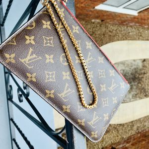 Louis Vuitton Pouch for Sale in Tampa, FL