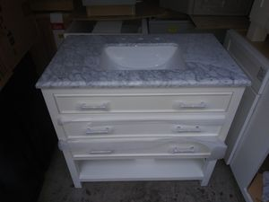 Bathroom vanity *** TELL ME THE SIZE I'LL TELL YOU THE PRICE*** for Sale in Durham, NC