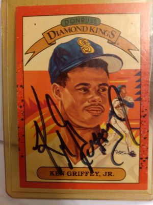 Autographed Ken Griffey jr. Rare 1990 Donruss baseball card for Sale in Seattle, WA