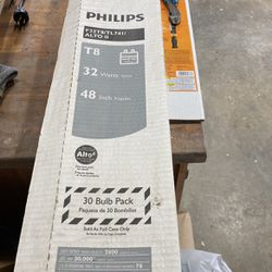 Philips T8 Bulk Pack Bulb for Sale in Lovettsville,  VA