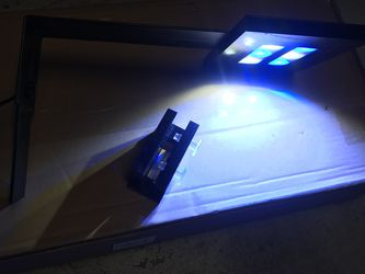 Innovative marine Skyye aquarium LED light Clamp light Excellent condition for Sale in Tampa,  FL